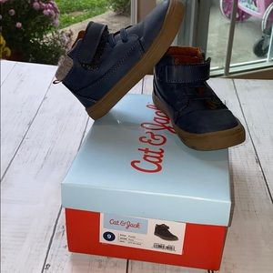 Boys cat and jack sneakers size 9